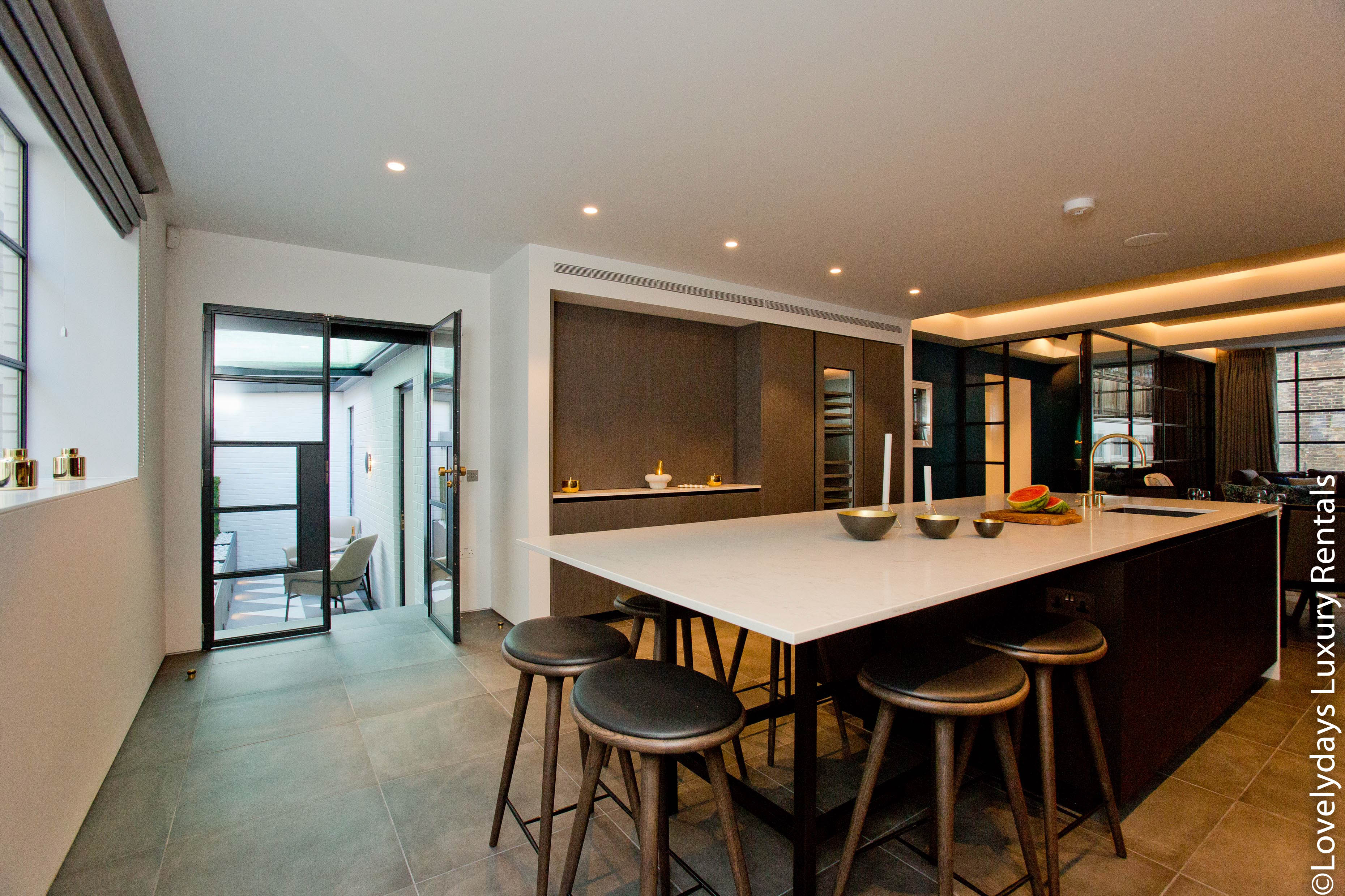 Lovelydays luxury service apartment rental - London - Soho - Royalty Mews III - Partner - 2 bedrooms - 2 bathrooms - Luxury kitchen - a338b802f277 - Lovelydays