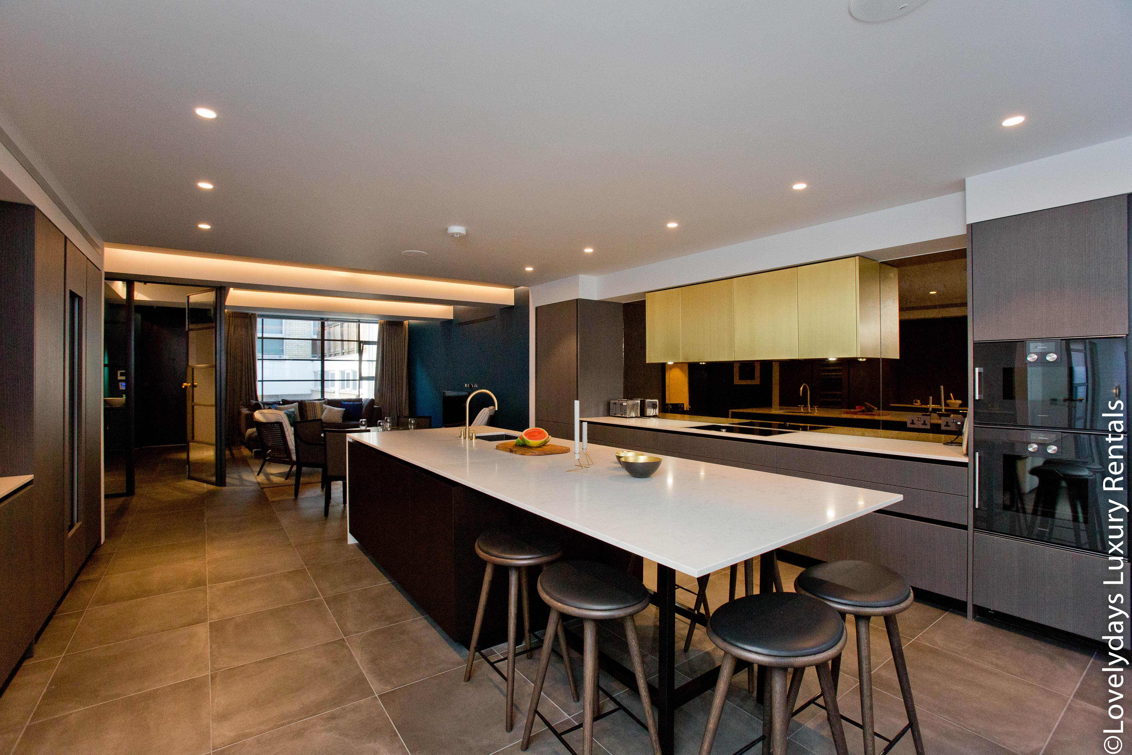 Lovelydays luxury service apartment rental - London - Soho - Royalty Mews III - Partner - 2 bedrooms - 2 bathrooms - Luxury kitchen - 56564c5a2d39 - Lovelydays