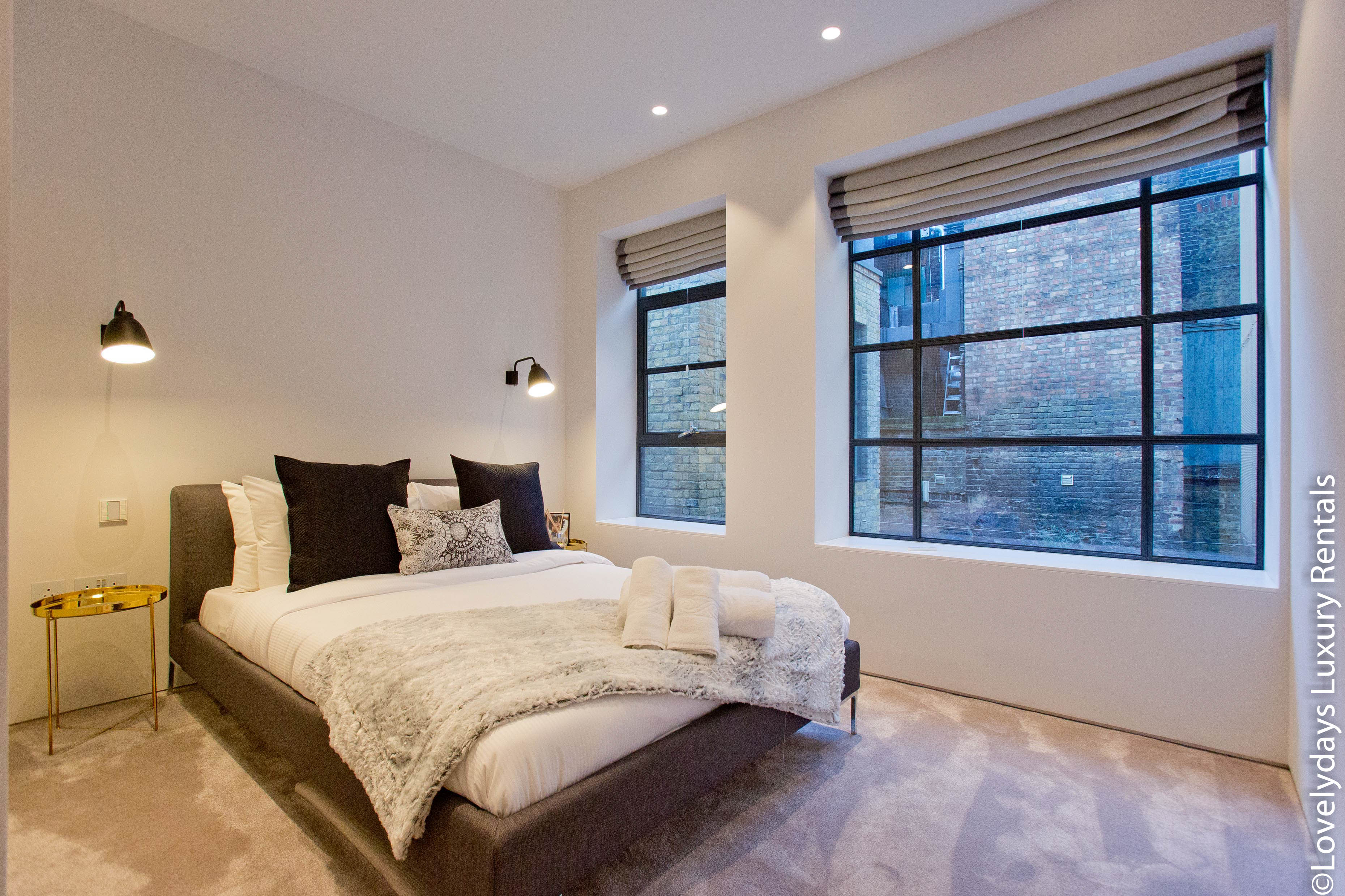 Lovelydays luxury service apartment rental - London - Soho - Royalty Mews III - Partner - 2 bedrooms - 2 bathrooms - Queen bed - d8e6ab40a0f6 - Lovelydays