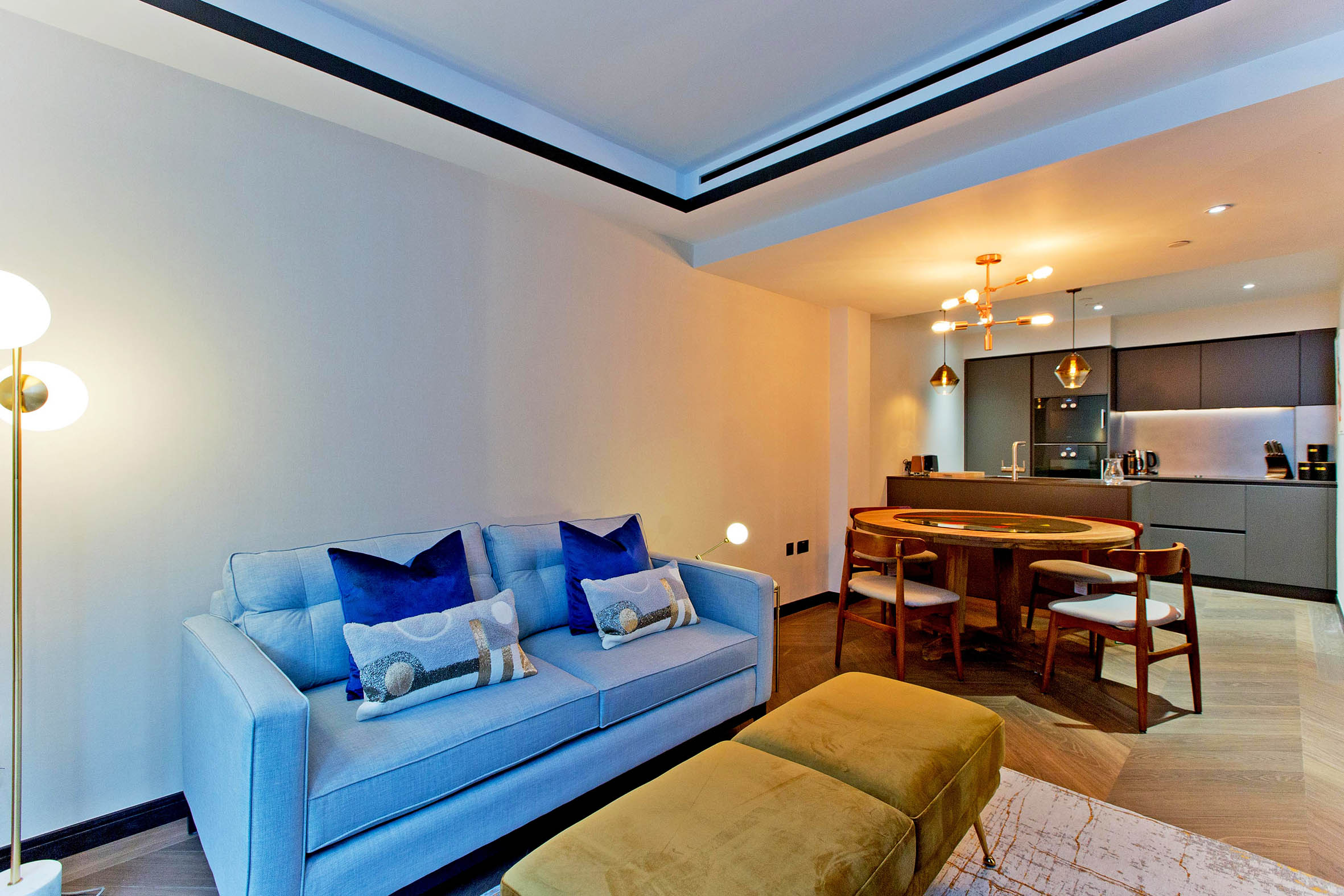 <p>Lovelydays Luxury Rentals introduce you pictures of a charming house in the heart of Soho</p>