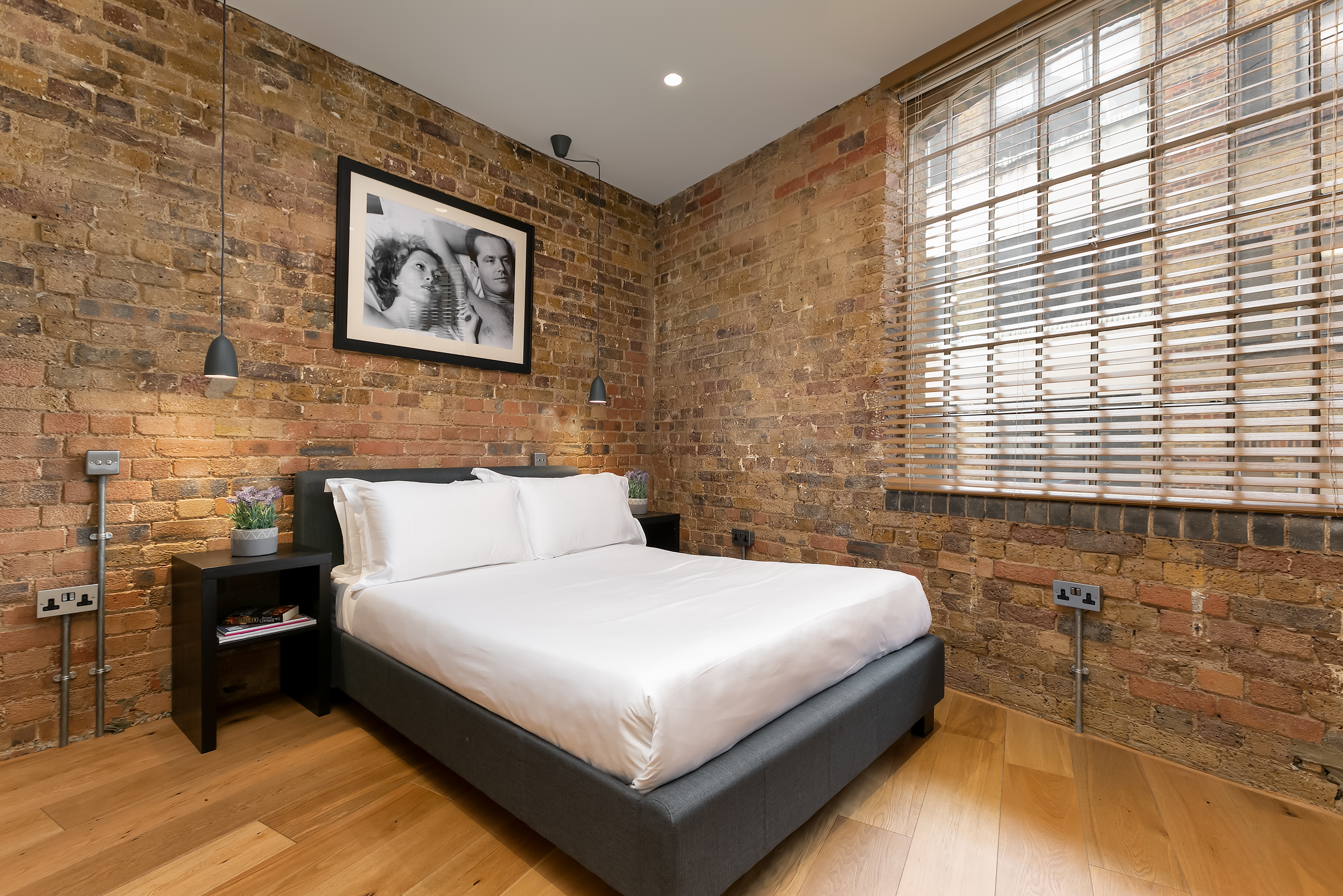 Lovelydays luxury service apartment rental - London - Fitzrovia - Wells Mews A - Lovelysuite - 2 bedrooms - 2 bathrooms - Queen bed - 5 star serviced apartments in london - 57181520d1ab - Lovelydays