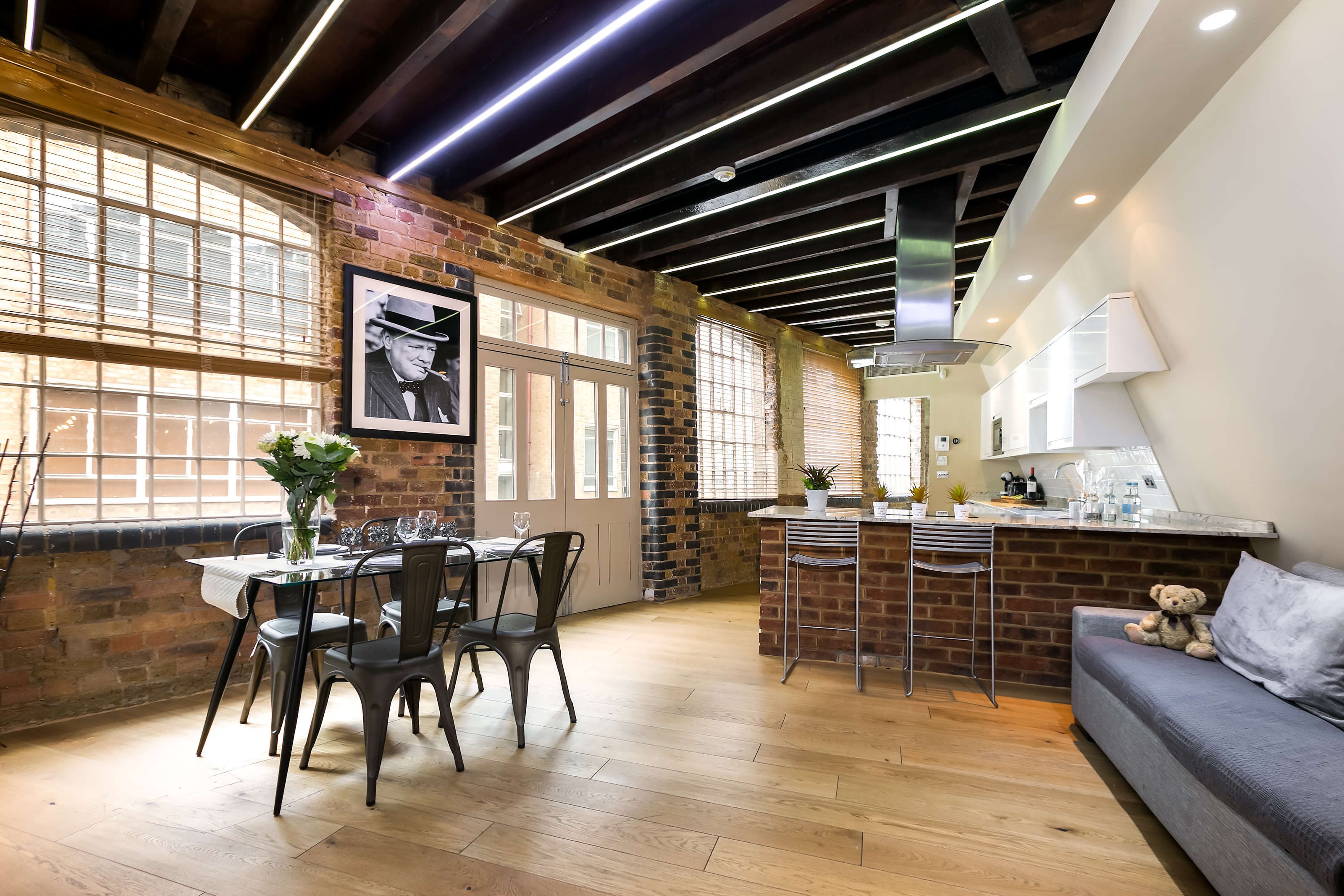 Lovelydays luxury service apartment rental - London - Fitzrovia - Wells Mews A - Lovelysuite - 2 bedrooms - 2 bathrooms - Luxury living room - 5 star serviced apartments in london - 4fcec0b49e27 - Lovelydays