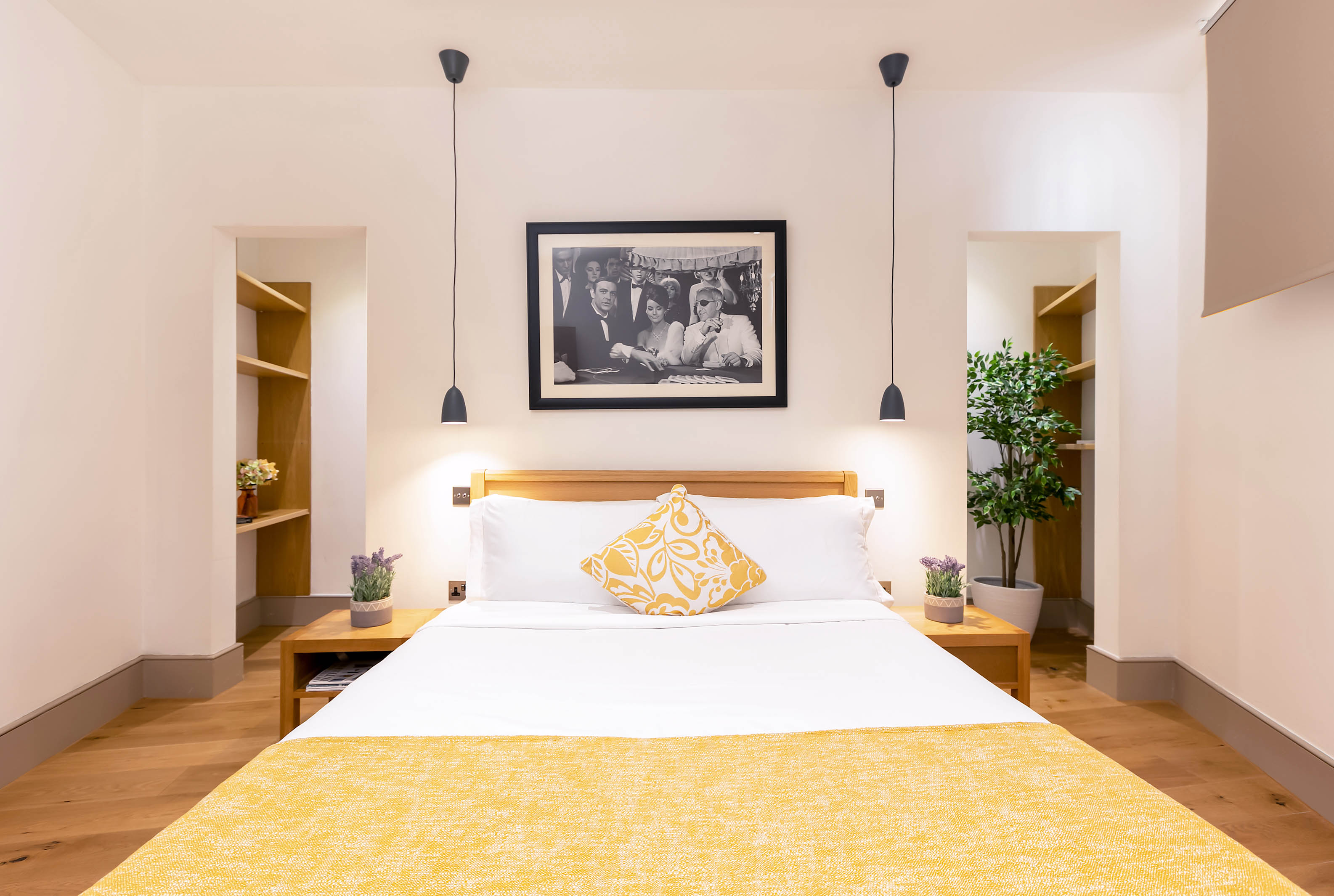 Lovelydays luxury service apartment rental - London - Fitzrovia - Wells Mews B - Lovelysuite - 2 bedrooms - 2 bathrooms - Double bed - 5cce42eeac5b - Lovelydays