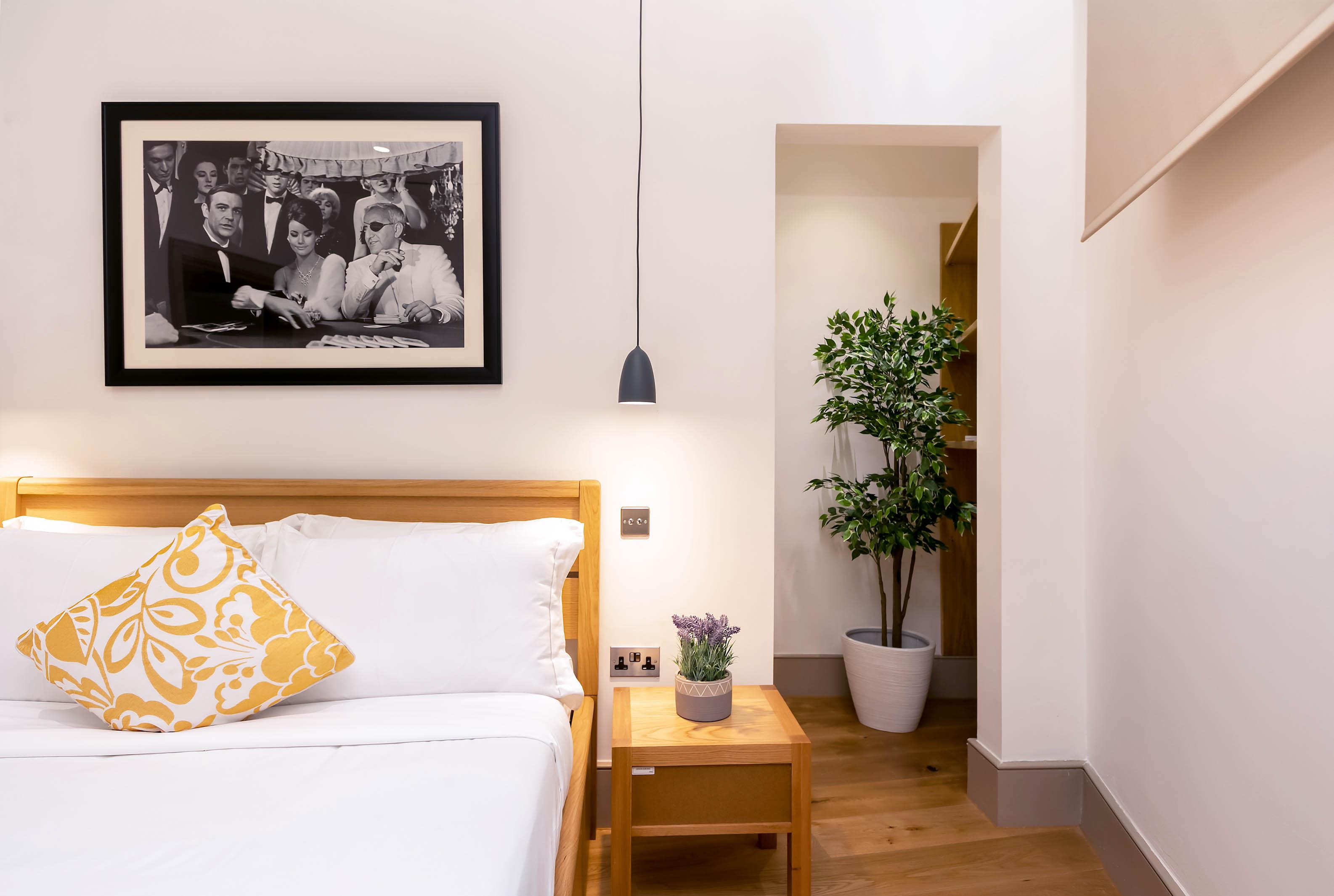 Lovelydays luxury service apartment rental - London - Fitzrovia - Wells Mews B - Lovelysuite - 2 bedrooms - 2 bathrooms - Double bed - 497befe9b0e0 - Lovelydays