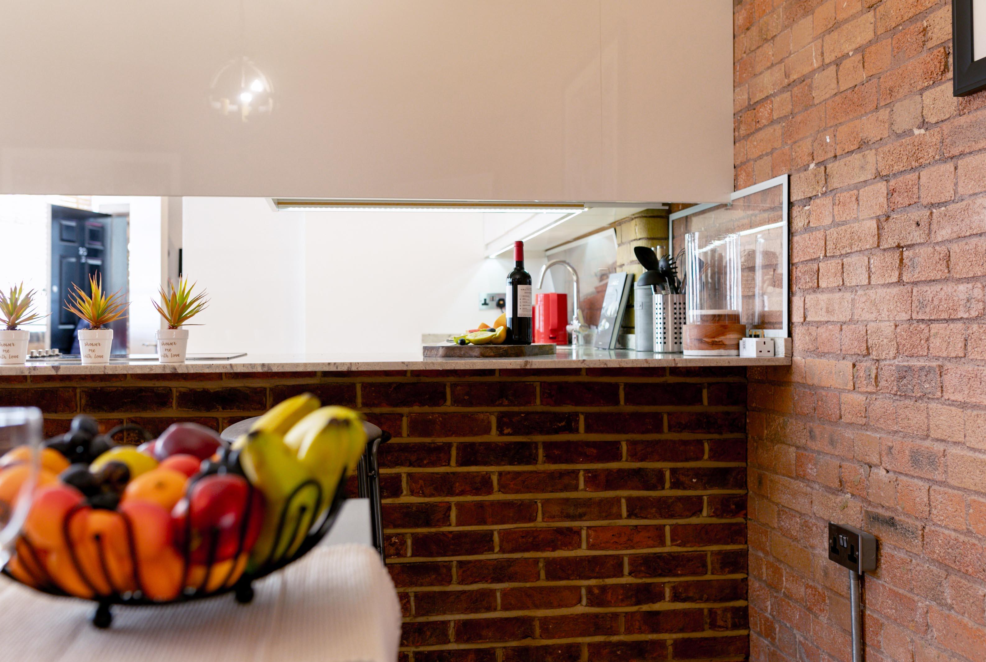 Lovelydays luxury service apartment rental - London - Fitzrovia - Wells Mews B - Lovelysuite - 2 bedrooms - 2 bathrooms - Luxury kitchen - d92ed68d00ae - Lovelydays