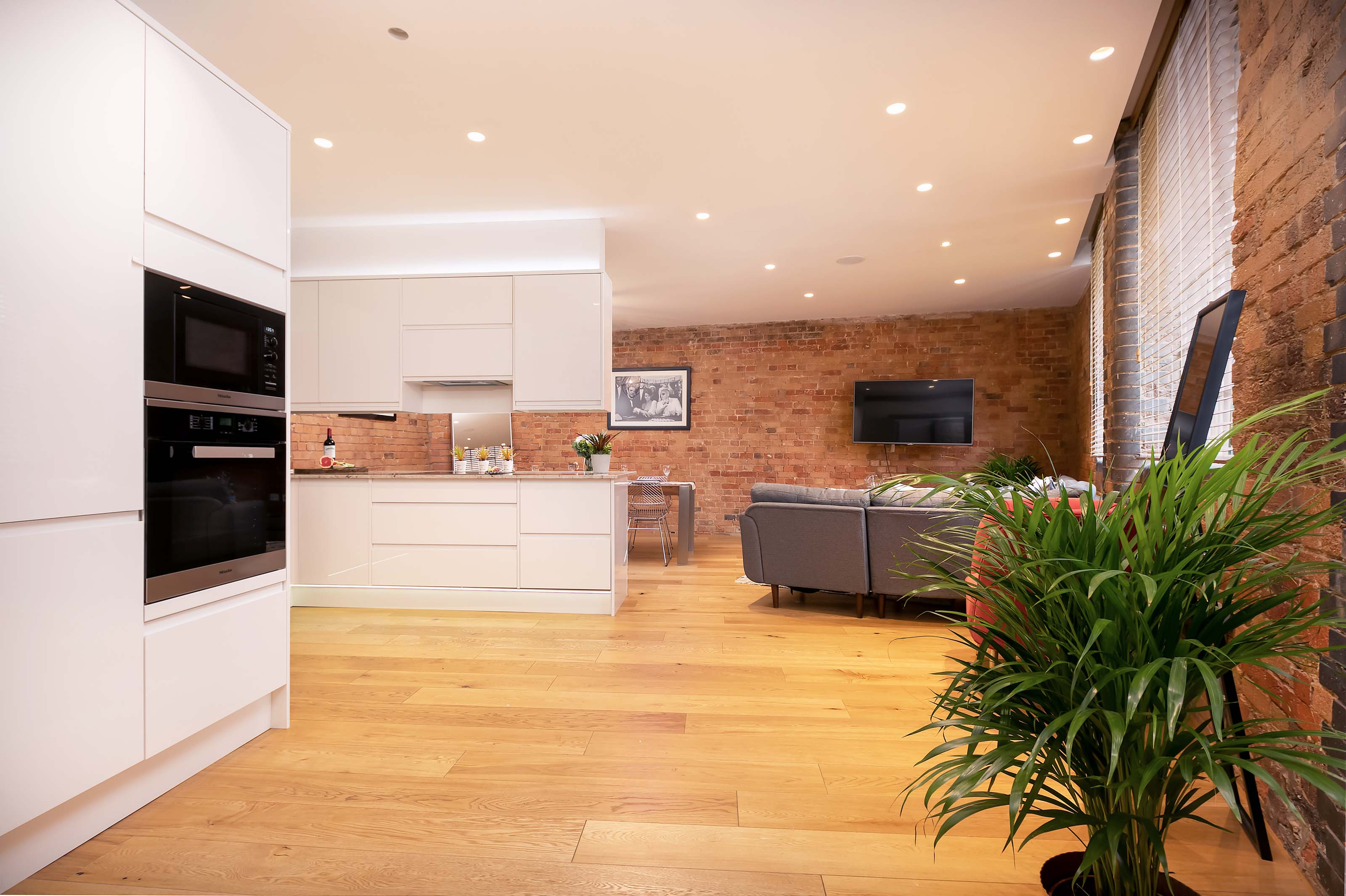 Lovelydays luxury service apartment rental - London - Fitzrovia - Wells Mews B - Lovelysuite - 2 bedrooms - 2 bathrooms - Luxury living room - 6565826101c9 - Lovelydays