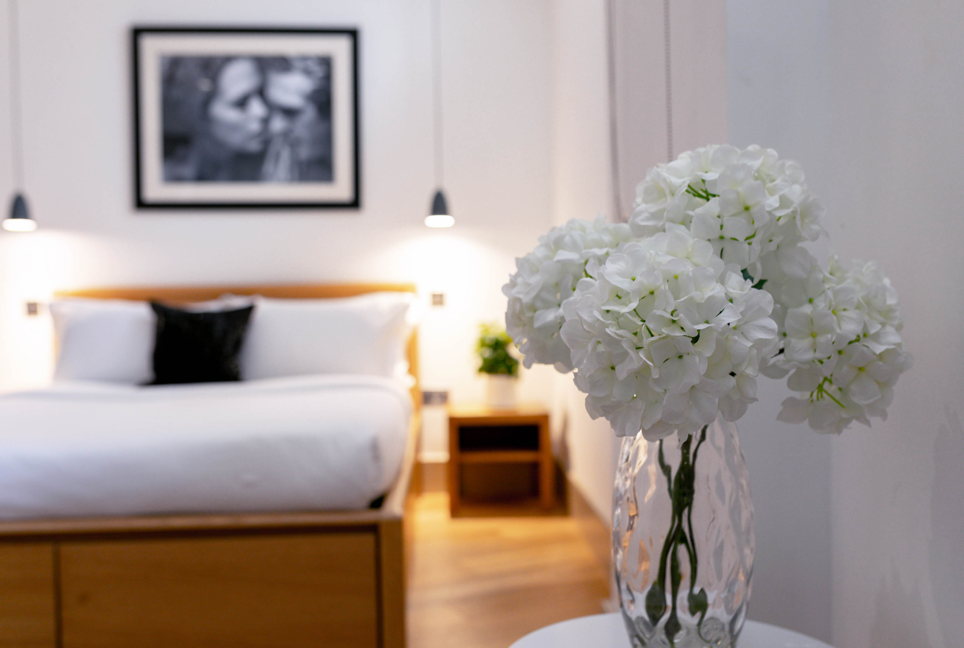 Lovelydays luxury service apartment rental - London - Fitzrovia - Wells Mews B - Lovelysuite - 2 bedrooms - 2 bathrooms - Double bed - 584ff5ad11ad - Lovelydays