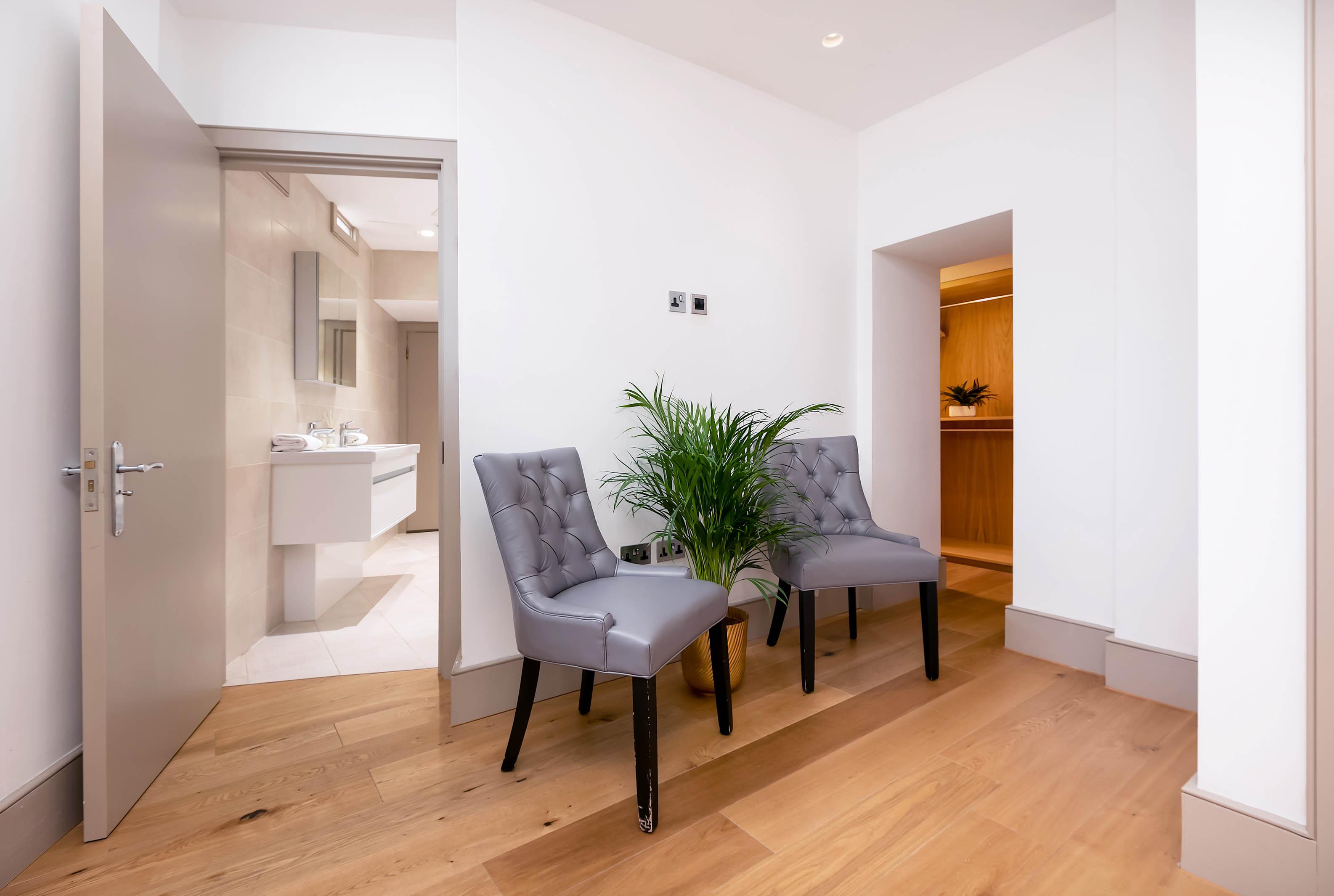Lovelydays luxury service apartment rental - London - Fitzrovia - Wells Mews B - Lovelysuite - 2 bedrooms - 2 bathrooms - Double bed - 4b5da2769602 - Lovelydays