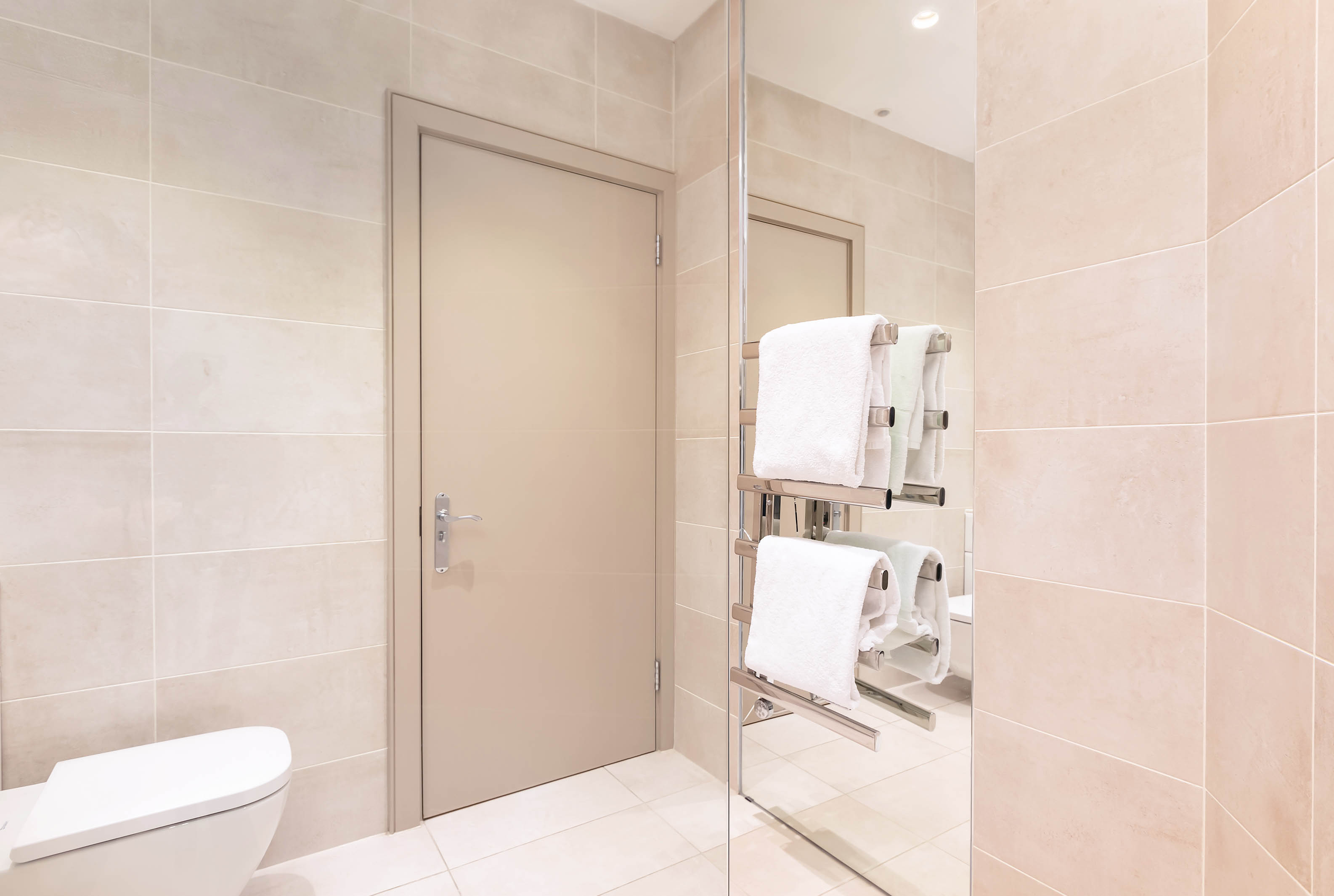 Lovelydays luxury service apartment rental - London - Fitzrovia - Wells Mews B - Lovelysuite - 2 bedrooms - 2 bathrooms - Lovely shower - 457045c607aa - Lovelydays
