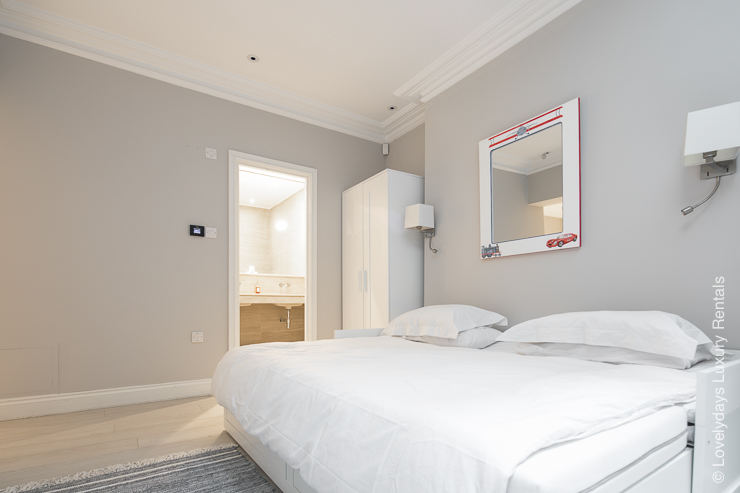 Lovelydays luxury service apartment rental - London - Notting Hill - Clanricarde II - Lovelysuite - 2 bedrooms - 2 bathrooms - Queen bed - 87d868167110 - Lovelydays