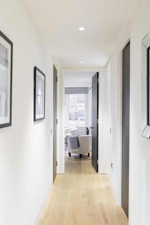 Lovelydays luxury service apartment rental - London - Soho - Romilly Street - Lovelysuite - 2 bedrooms - 2 bathrooms - Luxury living room - 56a37ce690b5 - Lovelydays