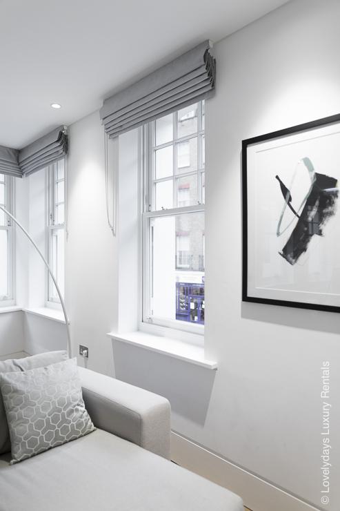 Lovelydays luxury service apartment rental - London - Soho - Romilly Street - Lovelysuite - 2 bedrooms - 2 bathrooms - Luxury living room - 4e096eaf8d2e - Lovelydays