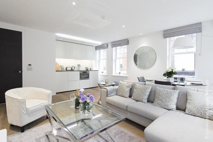 Lovelydays luxury service apartment rental - London - Soho - Romilly Street - Lovelysuite - 2 bedrooms - 2 bathrooms - Luxury living room - a4718eb28166 - Lovelydays