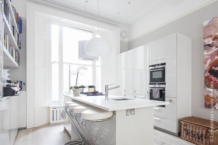 Lovelydays luxury service apartment rental - London - Notting Hill - Clanricarde II - Lovelysuite - 2 bedrooms - 2 bathrooms - Modern kitchen - ae55819a7108 - Lovelydays