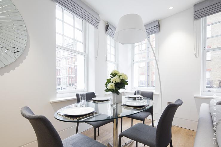 Lovelydays luxury service apartment rental - London - Soho - Romilly Street - Lovelysuite - 2 bedrooms - 2 bathrooms - Dining living room - 89742402a377 - Lovelydays