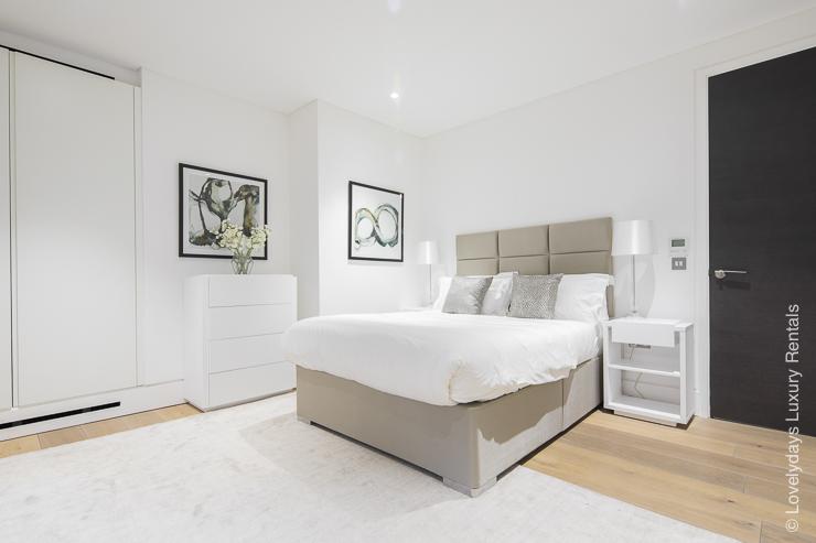 Lovelydays luxury service apartment rental - London - Soho - Romilly Street - Lovelysuite - 2 bedrooms - 2 bathrooms - King bed - 4f1769f54217 - Lovelydays