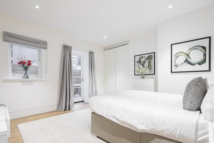 Lovelydays luxury service apartment rental - London - Soho - Romilly Street - Lovelysuite - 2 bedrooms - 2 bathrooms - King bed - d80213791277 - Lovelydays