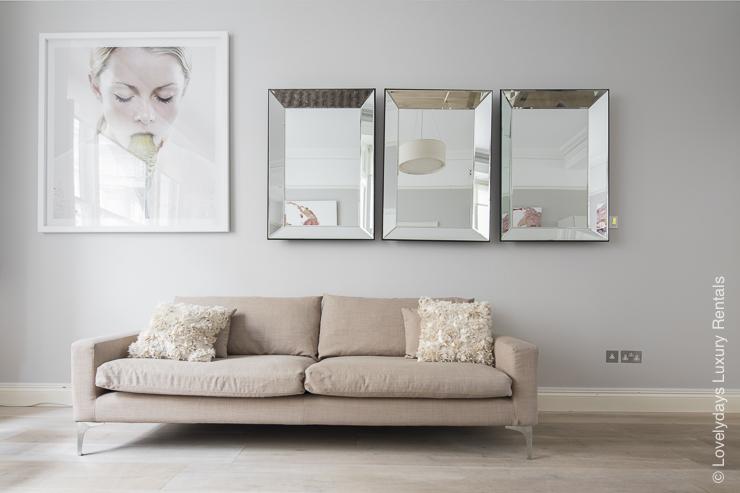 Lovelydays luxury service apartment rental - London - Notting Hill - Clanricarde II - Lovelysuite - 2 bedrooms - 2 bathrooms - Comfortable sofa - 573d5538df76 - Lovelydays