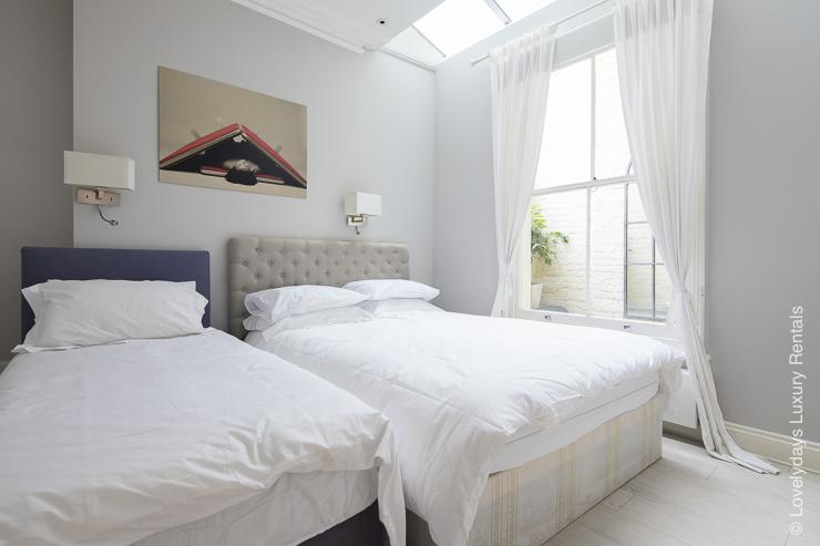 Lovelydays luxury service apartment rental - London - Notting Hill - Clanricarde II - Lovelysuite - 2 bedrooms - 2 bathrooms - Double bed - Single bed - f19d6f59bd79 - Lovelydays