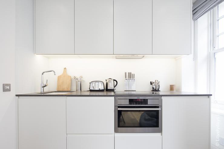 Lovelydays luxury service apartment rental - London - Soho - Romilly Street - Lovelysuite - 2 bedrooms - 2 bathrooms - Luxury kitchen - f7676797f9c8 - Lovelydays