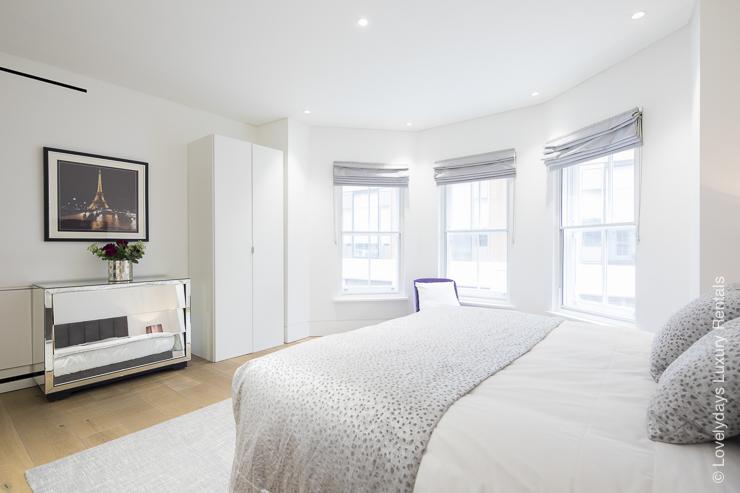 Lovelydays luxury service apartment rental - London - Soho - Romilly Street - Lovelysuite - 2 bedrooms - 2 bathrooms - King bed - 3c13a746bde3 - Lovelydays