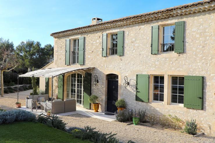 https://lovelydays.com/images/properties/img/Bartavella-House/Bartavella-House-ef1867e11c43.jpeg