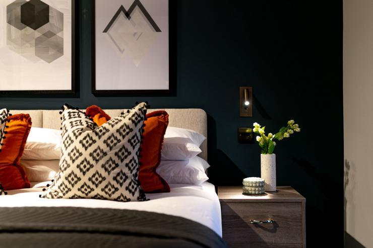 Lovelydays luxury service apartment rental - London - Soho - Berwick Street III - Lovelysuite - 1 bedrooms - 1 bathrooms - Queen bed - f94f050a97f1 - Lovelydays