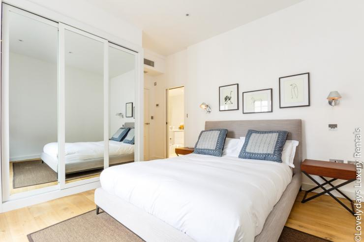 Lovelydays luxury service apartment rental - London - Covent Garden - Cockspur Street - Lovelysuite - 3 bedrooms - 2 bathrooms - Double bed - 9da3c6d4d43c - Lovelydays