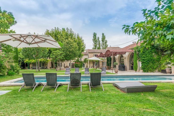 Lovelydays luxury service apartment rental - St Rémy de Provence and surroundings - Ameu Mas - Partner - 6 bedrooms - 6 bathrooms - Outside swimming pool - b40616a4dac8 - Lovelydays