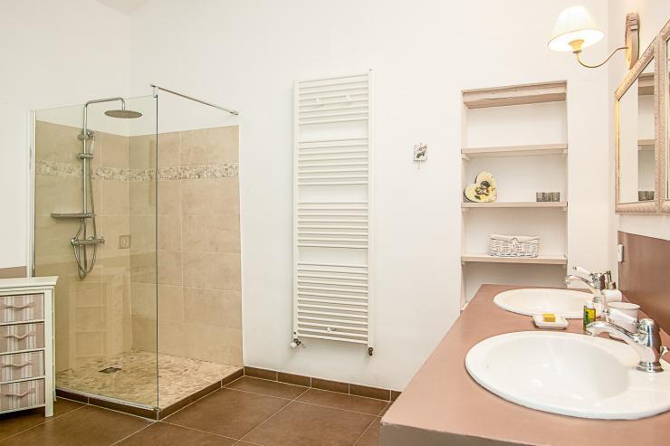 Lovelydays luxury service apartment rental - St Rémy de Provence and surroundings - Ameu Mas - Partner - 6 bedrooms - 6 bathrooms - Lovely shower - 610da0568111 - Lovelydays