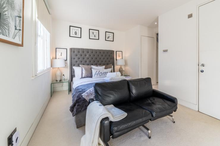 Lovelydays luxury service apartment rental - London - Fitzrovia - Foley Street II - Lovelysuite - 2 bedrooms - 2 bathrooms - Double bed - f7d002530f8e - Lovelydays