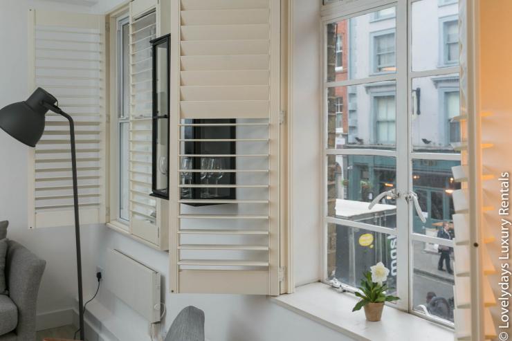 Lovelydays luxury service apartment rental - London - Fitzrovia - Goodge 55 - Lovelysuite - 2 bedrooms - 3 bathrooms - Lovely view - 40d9ce98bb2a - Lovelydays