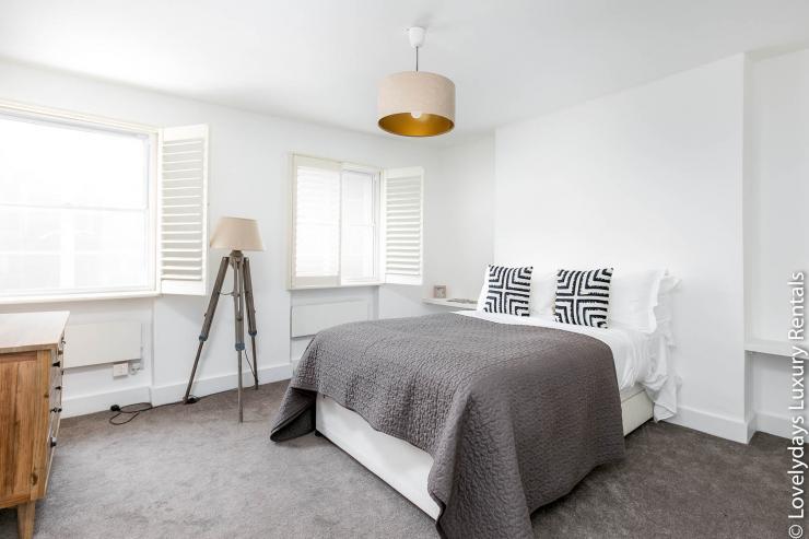 Lovelydays luxury service apartment rental - London - Fitzrovia - Goodge 55 - Lovelysuite - 2 bedrooms - 3 bathrooms - Double bed - ab4c25154547 - Lovelydays