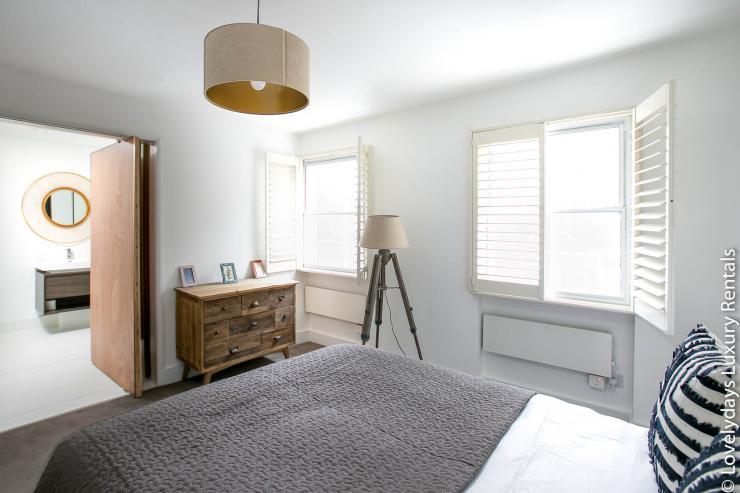 Lovelydays luxury service apartment rental - London - Fitzrovia - Goodge 55 - Lovelysuite - 2 bedrooms - 3 bathrooms - Double bed - 1baeff4ed551 - Lovelydays