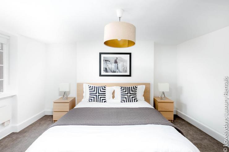 Lovelydays luxury service apartment rental - London - Fitzrovia - Goodge 55 - Lovelysuite - 2 bedrooms - 3 bathrooms - Double bed - d6ae6e4f585b - Lovelydays