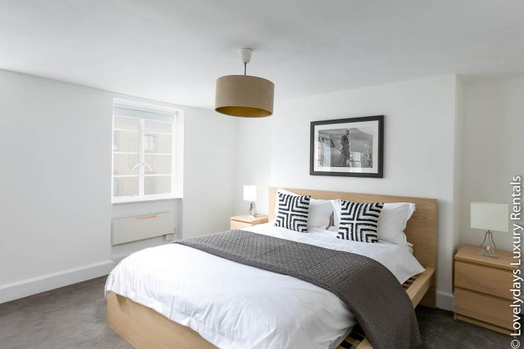 Lovelydays luxury service apartment rental - London - Fitzrovia - Goodge 55 - Lovelysuite - 2 bedrooms - 3 bathrooms - King bed - a80615ce8f1b - Lovelydays