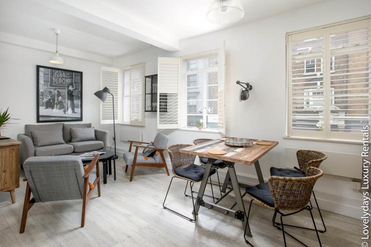 Lovelydays luxury service apartment rental - London - Fitzrovia - Goodge 55 - Lovelysuite - 2 bedrooms - 3 bathrooms - Luxury living room - 14fbb084f8db - Lovelydays