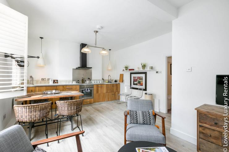 Lovelydays luxury service apartment rental - London - Fitzrovia - Goodge 55 - Lovelysuite - 2 bedrooms - 3 bathrooms - Luxury kitchen - fa6e79c6eae2 - Lovelydays