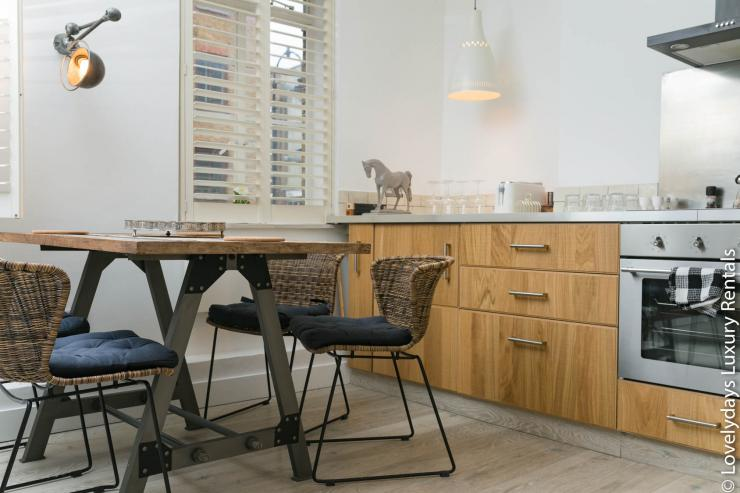 Lovelydays luxury service apartment rental - London - Fitzrovia - Goodge 55 - Lovelysuite - 2 bedrooms - 3 bathrooms - Luxury living room - 80e2abb58b32 - Lovelydays