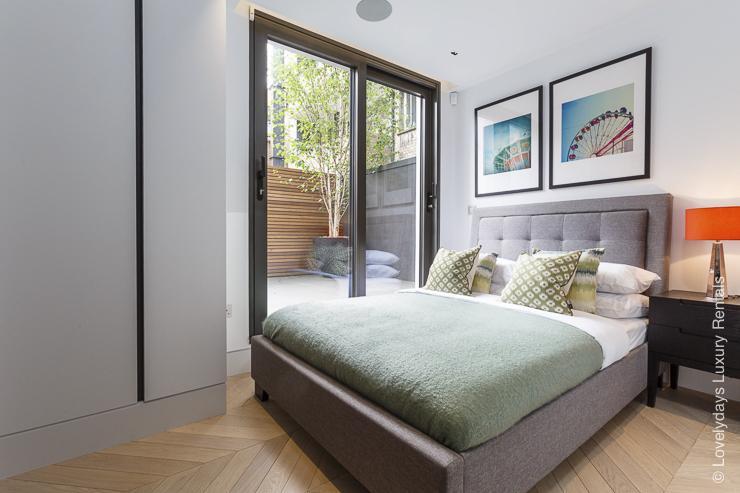 Lovelydays luxury service apartment rental - London - Fitzrovia - Goodge street - Lovelysuite - 2 bedrooms - 2 bathrooms - Queen bed - 417937e08722 - Lovelydays
