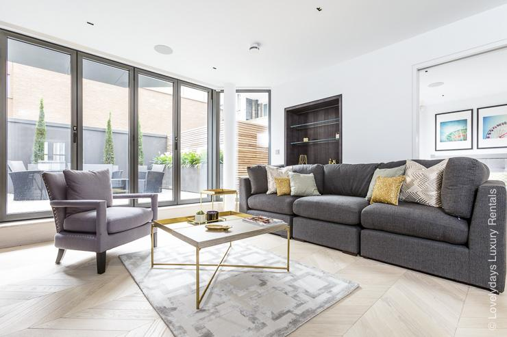 Lovelydays luxury service apartment rental - London - Fitzrovia - Goodge street - Lovelysuite - 2 bedrooms - 2 bathrooms - Comfortable sofa - TV system - A/C system - 6e9224aa4069 - Lovelydays