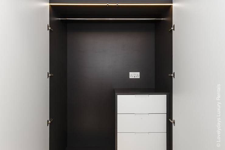 Lovelydays luxury service apartment rental - London - Fitzrovia - Goodge street IV - Lovelysuite - 2 bedrooms - 2 bathrooms - Design - e59f4ae74cf7 - Lovelydays