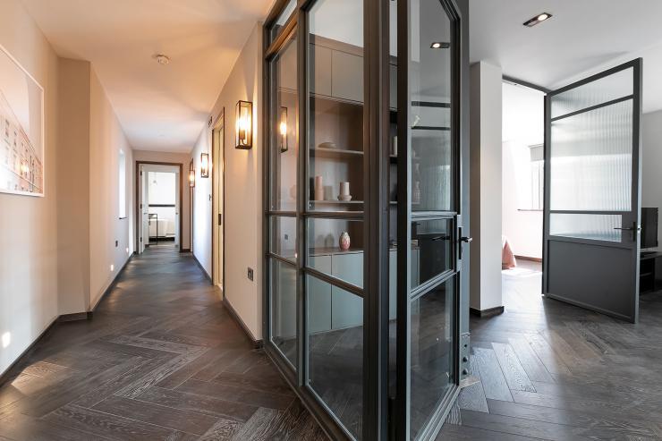 Lovelydays luxury service apartment rental - London - Soho - Great Marlborough St VIII - Lovelysuite - 3 bedrooms - 3 bathrooms - Hallway - 6de0e34bd16e - Lovelydays