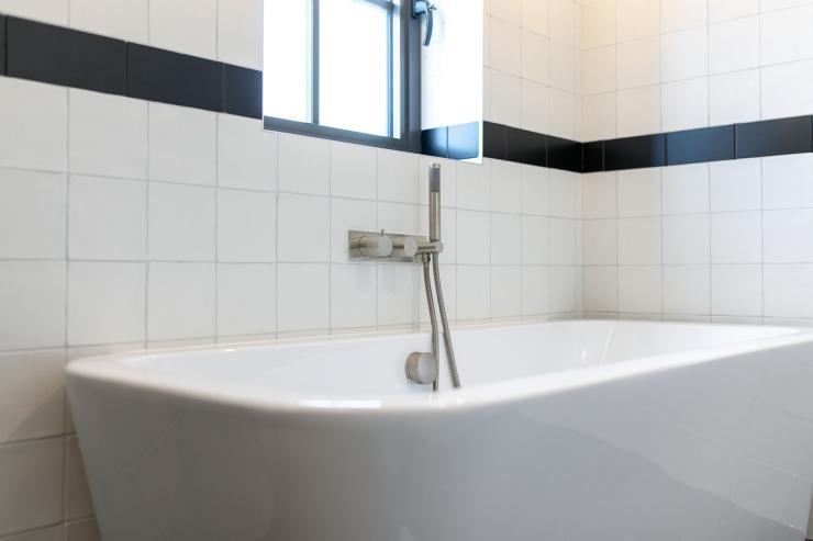 Lovelydays luxury service apartment rental - London - Soho - Great Marlborough St VIII - Lovelysuite - 3 bedrooms - 3 bathrooms - Beautiful bathtub - 1a1ade61edad - Lovelydays
