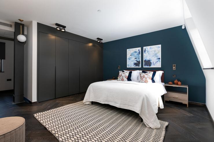 Lovelydays luxury service apartment rental - London - Soho - Great Marlborough St VIII - Lovelysuite - 3 bedrooms - 3 bathrooms - Queen bed - 4db026cd5a4b - Lovelydays