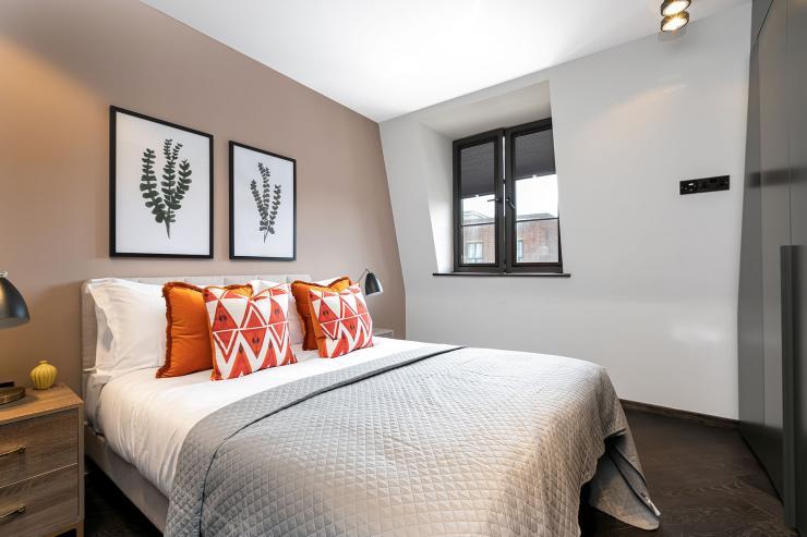 Lovelydays luxury service apartment rental - London - Soho - Great Marlborough St VIII - Lovelysuite - 3 bedrooms - 3 bathrooms - Queen bed - 585331755ca9 - Lovelydays