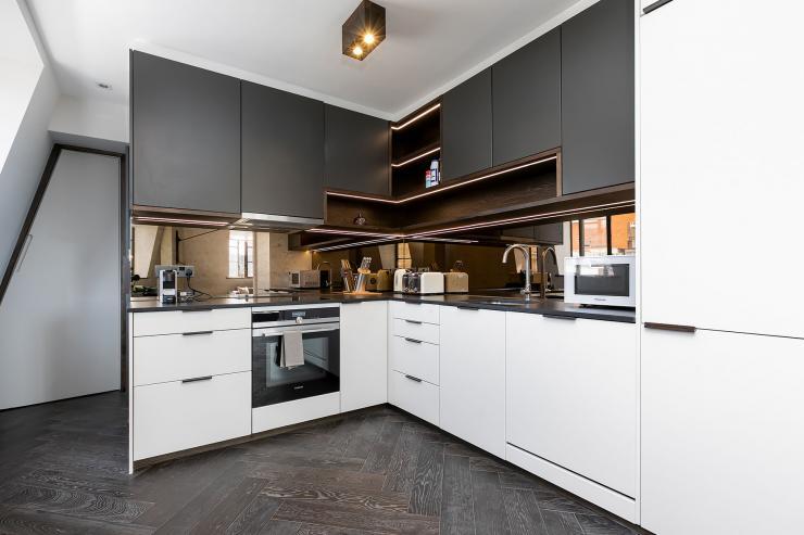 Lovelydays luxury service apartment rental - London - Soho - Great Marlborough St VIII - Lovelysuite - 3 bedrooms - 3 bathrooms - Luxury kitchen - c3563df1e165 - Lovelydays