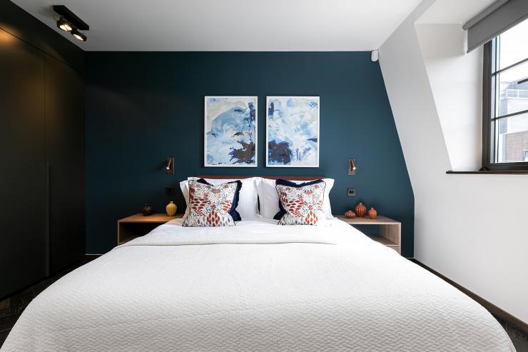 Lovelydays luxury service apartment rental - London - Soho - Great Marlborough St VIII - Lovelysuite - 3 bedrooms - 3 bathrooms - Queen bed - 13e1e5e398ee - Lovelydays