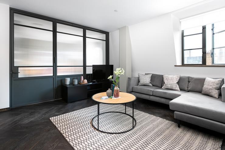 Lovelydays luxury service apartment rental - London - Soho - Great Marlborough St VIII - Lovelysuite - 3 bedrooms - 3 bathrooms - Luxury living room - 9fcd8fb1b82b - Lovelydays