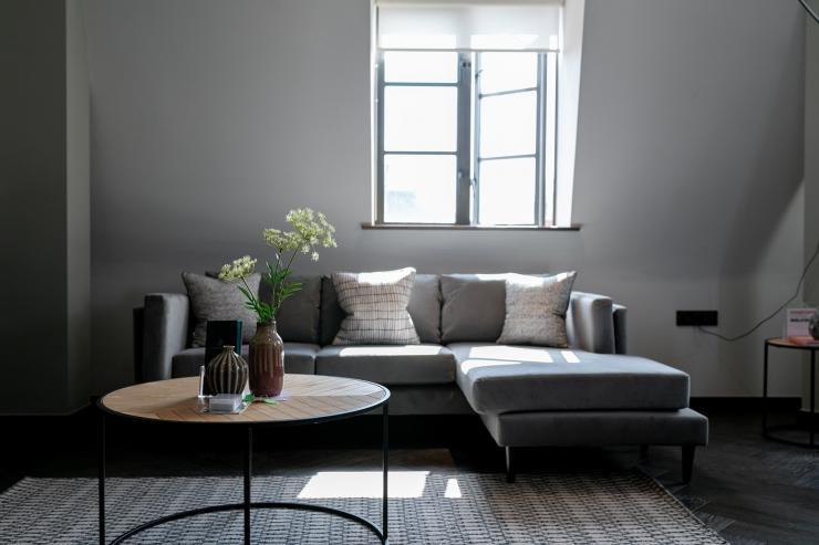 Lovelydays luxury service apartment rental - London - Soho - Great Marlborough St VIII - Lovelysuite - 3 bedrooms - 3 bathrooms - Comfortable sofa - b0baaa11ecfa - Lovelydays